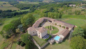 Château d'Auros à  -