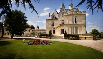 Château Pape Clément à  -