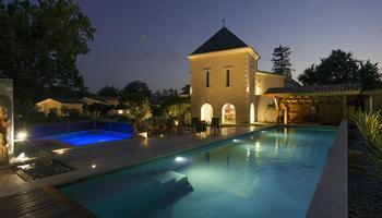 La piscine à Domaine de Larchey - Saint-Médard-d'Eyrans