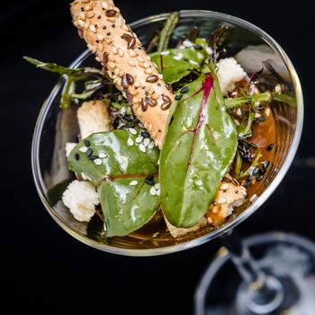 Oeuf mollet dans son verre à Martini par Deval Traiteur à Bordeaux